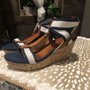 Tommy Hilfiger wedges size 9